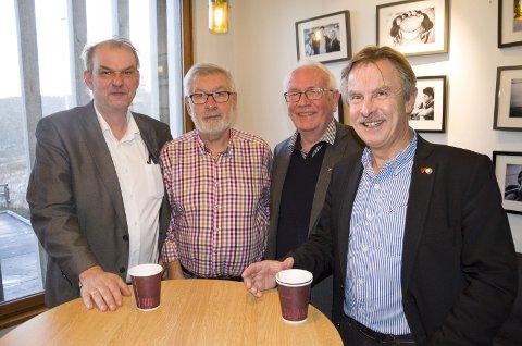 Runar Johansen (H), Alf Meier (Ap), Arnfinn Holten (KrF) og Helge Stiksrud (V) er enige om budsjettet for 2017.