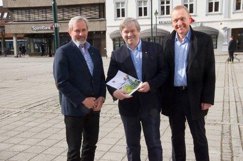 Ordførerne Lars Magnussen (Jevnaker), Kjell B. Hansen (Ringerike) og Per R. Berger (Hole) har forhandlet seg fram til en intensjonsplan. Den skal jevnakerinnbyggerne si sin mening om - først i innbyggerundersøkelse, så i folkeavstemning.
