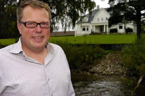 MATKULTUR: Olav Lie-Nilsen ved Thorbjørnrud Hotell er med i en av videoene som markedsfører området rundt Oslo.