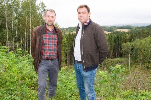 Bjørn Leifsen og Frederik Skarstein skal sørge for at det bygges 250 boenheter på Tanberghøgda.