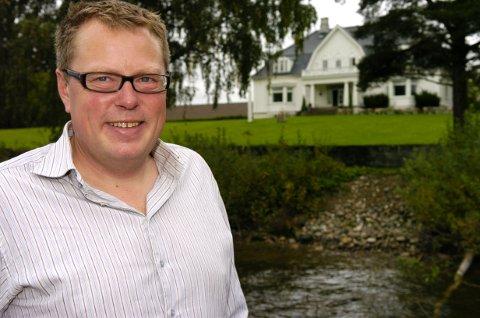 GRÜNDER: Olav Lie-Nilsen ved Thorbjørnrud Hotell er prisbelønt for sin satsing på lokalmat.