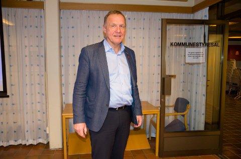 Ordfører Lars Magnussen (Ap) er overbevist om at man finner en løsning for både beboere og dem som har barn i Stortjernet barnehage.
