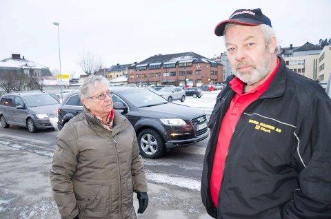 Bodil Linderud og Lars Velsand i den lokale astma- og allergiforeningen håper det vil være mulig å redusere luftforurensningen.