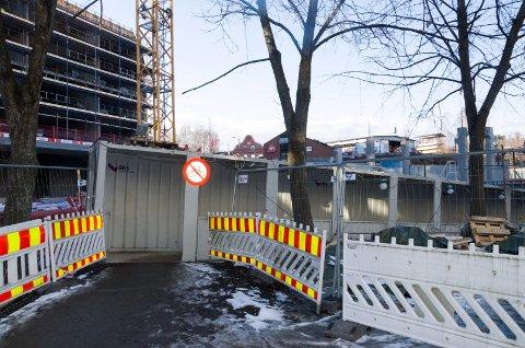 Kulverten som går fra Brutorget og under Arnemannsveien blir stengt midlertidig mens byggearbeider pågår.
