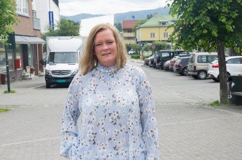 ADVARER: Anne Sandum (Ap) håper at utbyggingen av Ringerike videregående skole kan gjennomføres så raskt som mulig.