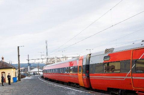 VEDLIKEHOLD: Bane Nor skal utføre vedlikehold på Bergensbanen, og det medfører endringer i togtrafikken.