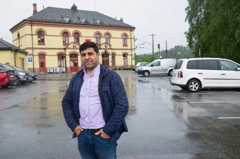 Parviz Salimi ønsker seg et hotell like ved jernbanestasjonen.