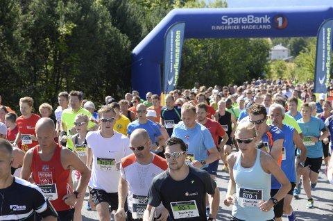 10 prosent nedgang: Men fortsatt er Ringeriksmaraton distriktets store mosjonsfest med over 2.900 deltakere.