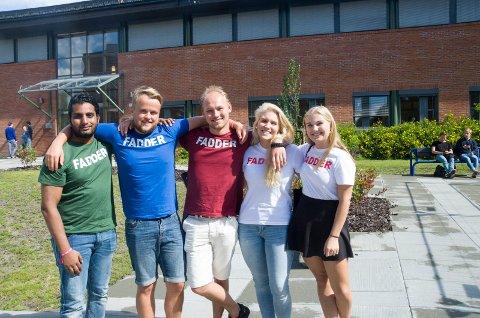 Fadderne Daniel Mannawarajan, Markus Fjellingsdal Brevik, Eirik Åstorp Reehorst, Lena Warholm og Embla Rusdal skal sørge for at nye studenter føler seg velkommen.