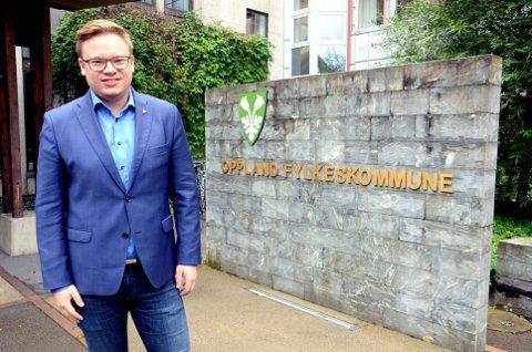 TVILER: Fylkesordfører Even Aleksander Hagen (Ap) tror ikke at Valdres forsvinner til storfylket Viken, slik valdrisen Eivind Brenna foreslår.