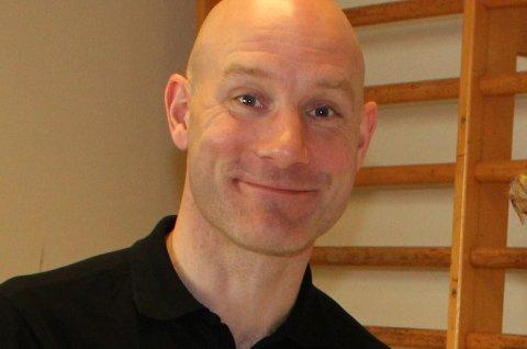 Robert Svingerud gir hjelp til livsstilendring hos Stamina Ringerike rehabilitering. Han oppfordrer til enkle treningsøkter i hverdagen.