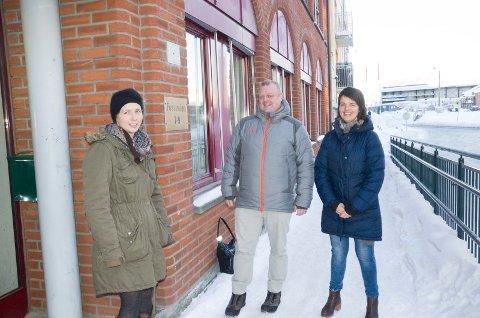 Heidi Skagnæs, enhetsleder miljø- og arealforvaltning, Jostein Nybråten, enhetsleder utbygging og Linda Moholdt Nordgården, kommunikasjonsrådgiver, har alle flyttet til Fossveien 7-9.