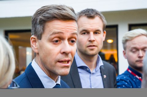 STATSRÅDER: Knut Arild Hareide og Kjell Ingolf Ropstad er nå statsråder i hvert sitt departement. Nå har Hareide svart på spørsmål om Ringeriksbanen og E16.