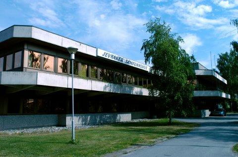 SVARER: Mats Jetlund får svar på sitt leserinnlegg om Jevnaker kommune.