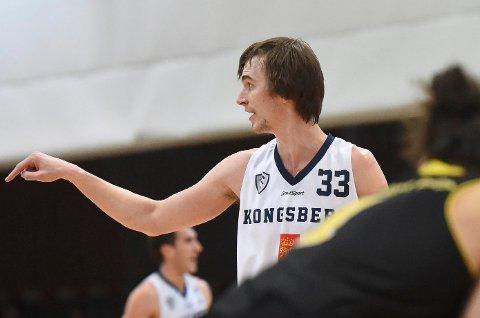Henry McCarthy fra Hønefoss er norgesmester i basket med Kongsberg Miners.
