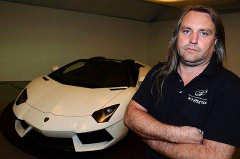 EIER: Tony André Johansen driver TJ Auto sammen med sin bror Ted Johansen.