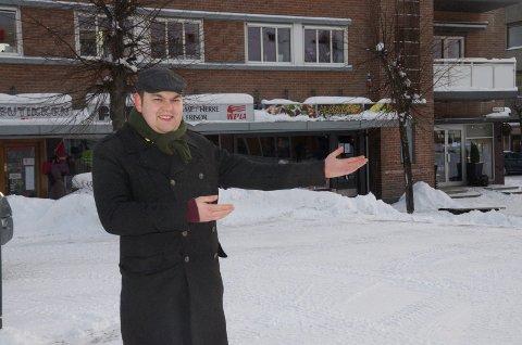 JULEMARKED: Lokalpolitiker Jim Hagen Warp (Ap) ønsker seg et julemarked på Søndre torg til neste jul. Her håper han det kan bugne av boder, salg og mennesker før neste jul.
