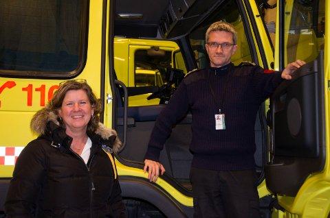 BEDRE PLASS: Kommunalsjef Hilde Brørby Fivelsdal og brannsjef Terje Reginiussen trenger plass til flere brannbiler.