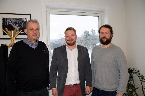 ENIGE: Runar Johansen (H), Håkon Ohren (Ap) og Magnus Herstad (Frp) er sammen med Krf enige om et budsjett for neste år.