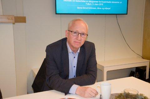 RISTER PÅ HODET: - Asiatiske kunder rister på hodet, sier Gjermund Hagesæter i Kryptovault.