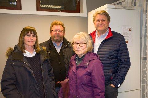 VIL VÆRE STRENGERE: Eirin Brudvik, Terje Andreas Vik, Else Breines og Trond Gulestø, er glad for at Ringerike kommune nå setter støykrav ved datasenter, men skulle ønske at kravene var enda strengere.