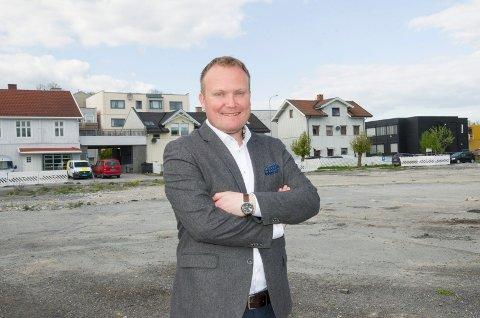 Hans-Petter Aasen (Sp) mener det er så mange steder man kan fortette i Hønefoss, som for eksempel på Byporten, at det ikke er behov for å bygge høyhus