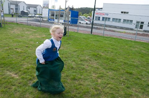 SEKKEHOPP: Matilda Boberg (7) haddde teken på sekkehopp.