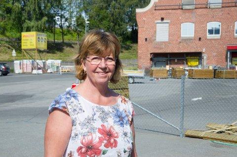 ALT KLART: Byplansjef Inger Kammerud er fornøyd med at en innsigelse på Øya-området er ryddet av veien. Dermed tyder alt på at byplanen endelig kan bankes gjennom.