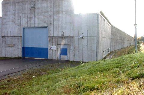 VENTETID: Lege i Ringerike fengsel, John Bekkenes, sier at ventetiden varierer fra veldig kort og opp til fire-fem uker.