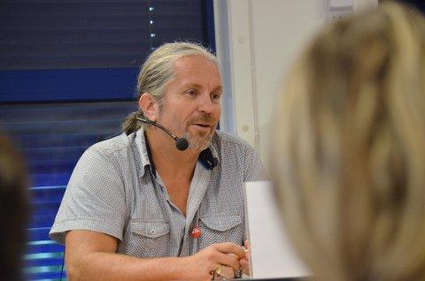 ENGASJERT: Bård Brørby er engasjert i bygda si, og derfor går han på sin femte periode i kommunestyret for Jevnaker SV.
