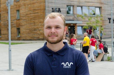ANNERLEDES: Lars Kristian Hvalsmarken tror studentene ved Campus Ringerike skal få et fint år selv om de må ta smittevernhensyn.