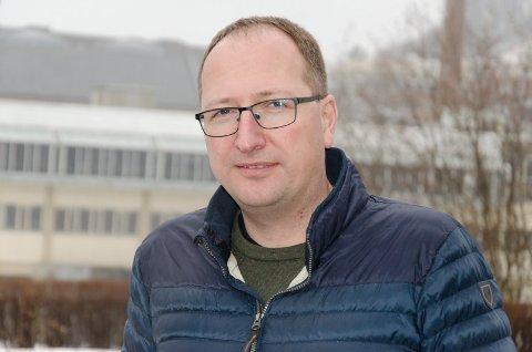 GOD MENINGSMÅLING: Ståle Skjønhaug (Ap) er fornøyd med at partiet går fram på den nyeste meningsmålingen. Nå ønsker han seg et rødgrønt samarbeid etter valget i 2023.