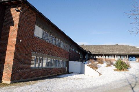 UNDERSØKELSE: Det var på Haugsbygd ungdomsskole det ble slått alarm da elever i 10. klasse i en undersøkelse svarte at de er blitt utsatt for psykisk krenkende adferd.