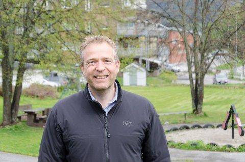 SKULPTUR: Ordfører Morten Lafton frir til Kistefos og vil ha et samarbeid om å få en fin kunstskulptur til Jevnaker sentrum. Kanskje kan parken ved Samfunnshuset være et aktuelt sted.