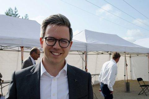 KLAR: Carl von Hessen gleder seg stort til datasenteret på Kilemoen åpner. Han er veldig positiv til hvordan han har blitt mottatt av Ringerike kommune og lokalsamfunnet. - Det som tar seks måneder andre steder tok fire uker her, sier han.