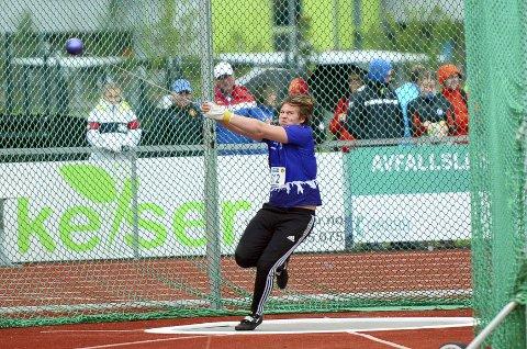 GOD START: Oliver Skov Våer fikk en god start på UM i friidrett. Det ble en flott femteplass på Rjukan-gutten i sleggekonkurransen.
