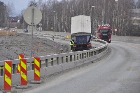 STENGER E134: Det blir omkjøring via fylkesvei 283 i helga.