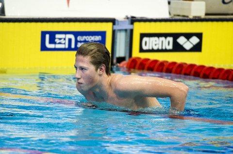 NUMMER SEKS: Henrik Christiansen svømte in n til sjetteplass på 800 meter fri i svømme-EM i London fredag. FOTO: SCANPIX