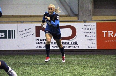 HATTRICK: Anja Sønstevold scoret tre ganger fra venstrebacken da LSK Kvinner enkelt tok seg videre i cupen.