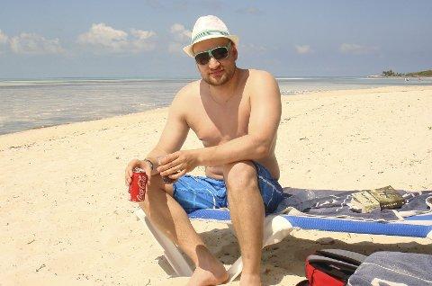 0,1 TONN: Her var Jann Post ufornøyd med livsstilen sin. Han fant igjen treningsgleden og gikk ned 25 kilo på ett år. Foto: privat