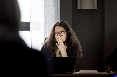 Sendte saken videre til kommunestyret: Ordfører Marianne Grimstad Hansen fikk flertall for sitt forslag om å sende saken direkte til kommunestyret uten innstilling fra formannskapet. BEGGE FOTO: TOM GUSTAVSEN
