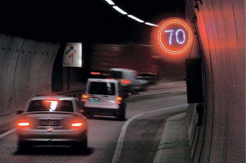 80 til 70: I begge rapportene fra Transportøkonomisk institutt, anbefaler man å senke fartsgrensen 80 km/t til 70 km/t.