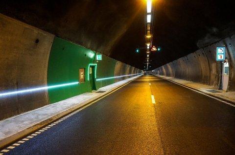 FÅR NYTT LYS: Korslundtunnelen, Morskogtunnelen og Espatunnelen på E6 oppgraderes med moderne rømningslys i sommer. (Illustrasjonsfoto: EnergyOptimal / Statens vegvesen)