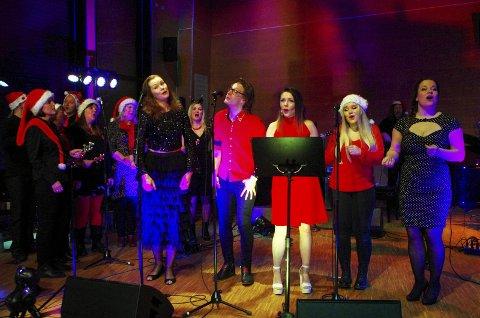 MUSEVISA: Koret og solistene Harriet Müller-Tyl, Hans Andreas Brandal, Christine Ekeberg, Victoria Byremo og Elisabeth S. Ellingsen.