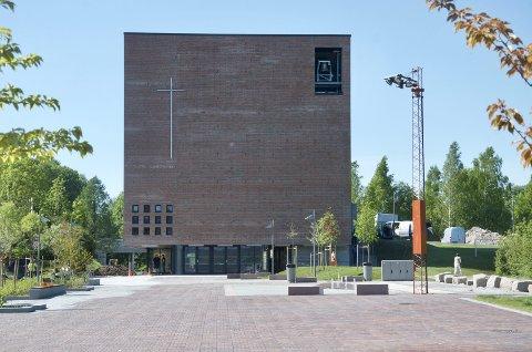 NYTT: Åpningen av Teglen kostet 100 000 kroner mer enn kirken hadde planlagt.