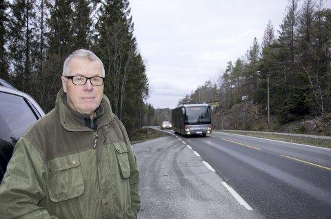 Fortviler: Willy Grønsaas fortviler over den dårlige ankomstmuligheten man har til legekontoret i Sætre.