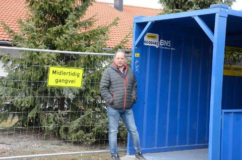 ¨STORT ENGASJEMENT: Thomas Bjørvik faye opplevde stort engasjement da han spurte Slemmestad-folket om de gleder seg til nye Rortunet åpner.