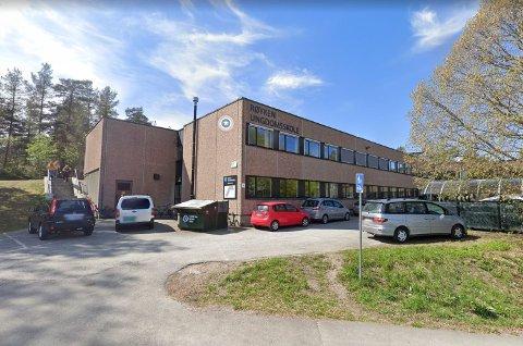 INNBRUDD: I helga var det innbrudd ved Røyken ungdomsskole.
