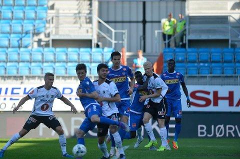 BEST: Sandefjord Fotball spilte uavgjort mot Odd og var best i 1. omgang.