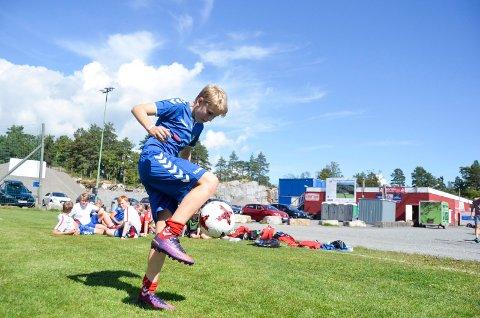 TRIKSEKONGE: Lyn-spilleren Jakob Steinskog (14) er blant de tre Sandarcupen-spillerne som skal i ilden i lørdagens triksekonkurranse mot SF-gutta.